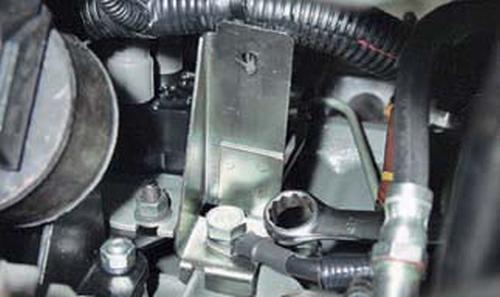 Снятие и установка двигателя Шевроле Нива