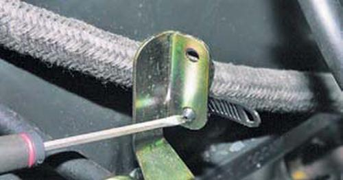 Замена прокладки крышки головки блока цилиндров Шевроле Нива