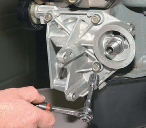 Замена уплотнительных колец кронштейна масляного фильтра Шевроле Нива