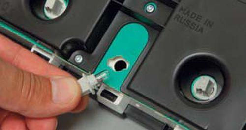Снятие комбинации приборов, замена ламп Шевроле Нива