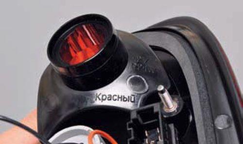 Замена ламп в заднем фонаре, снятие фонаря Шевроле Нива