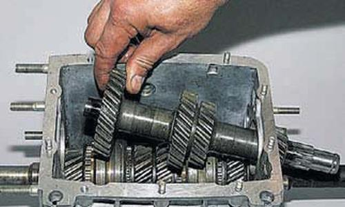Разборка и сборка коробки передач Шевроле Нива