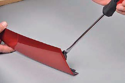 Снятие переднего бампера Шевроле Нива
