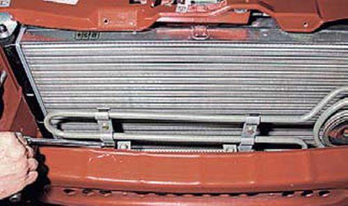 Снятие радиатора гидроусилителя руля Шевроле Нива