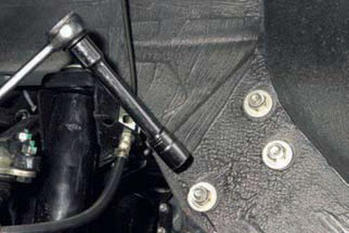 Снятие рулевого механизма Шевроле Нива