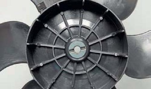 Снятие электровентиляторов радиатора Шевроле Нива