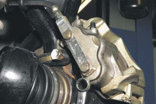 Разборка переднего тормозного механизма Шевроле Нива